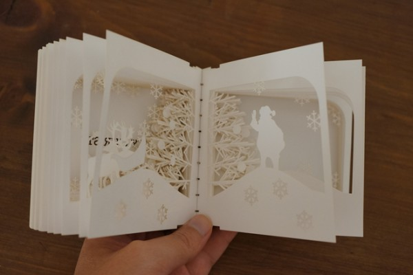 360-degree-christmas-book-panorama-by-yusuke-oono-11